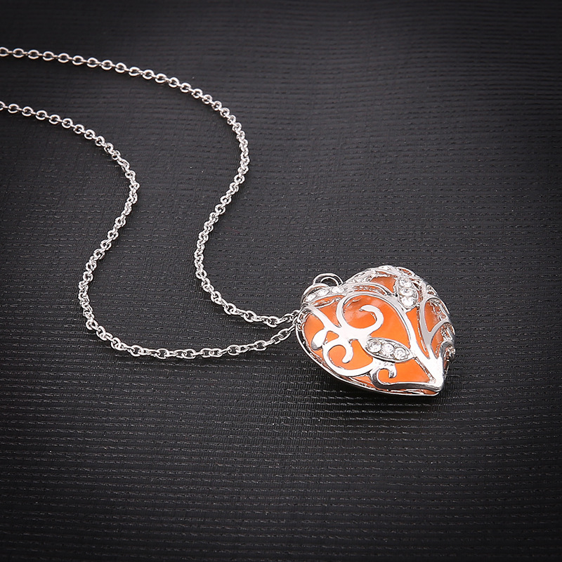 82F7-Unique-Alice-In-Wonderland-Dark-Light-Necklace-Locket-Luminous-Pendant