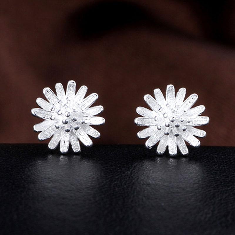 0C08-Elegant-Women-039-s-Flower-Daisy-Shaped-Ear-Piercing-Studs-Earrings-Jewelry